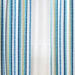爽やかなブルーのドットストライプ柄カーテン