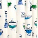 北欧テイストの食器イラスト柄カーテン
