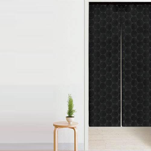 黒いビックドット柄の暖簾