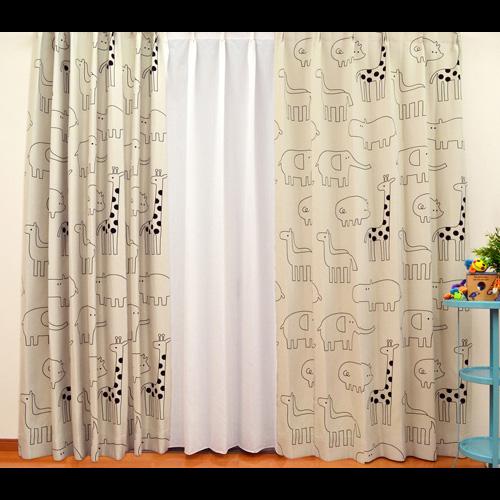 キュートな動物のイラスト柄カーテン