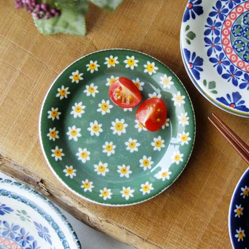 可愛らしい花柄イラスト食器