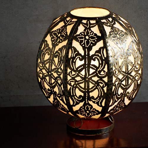 ガムランボールデザインの照明