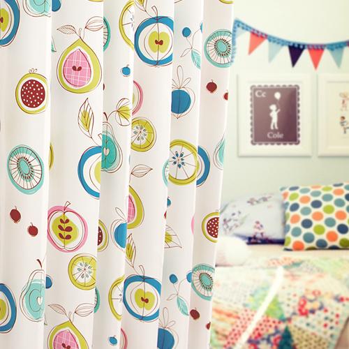 可愛いフルーツ柄のイラスト カーテン