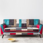 マルチカラーのパッチワークデザインソファー