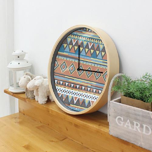 ノルディックパターンのデザイン壁掛け時計
