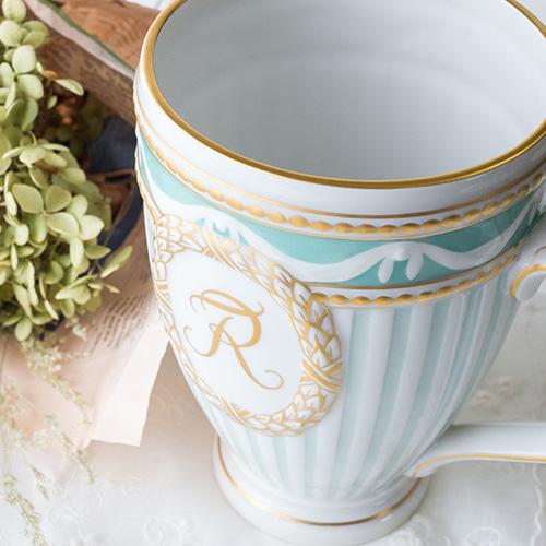 アンティーク感もある可愛らしいティーカップ