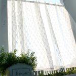 刺繍とビーズのカフェカーテン